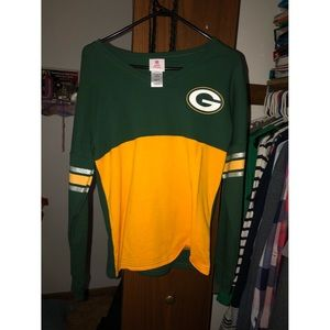 Green Bay Packers Long Sleeve ONLY WORN ONCE